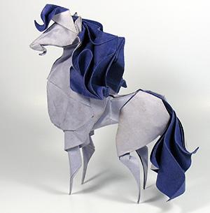 мокрое оригами конь